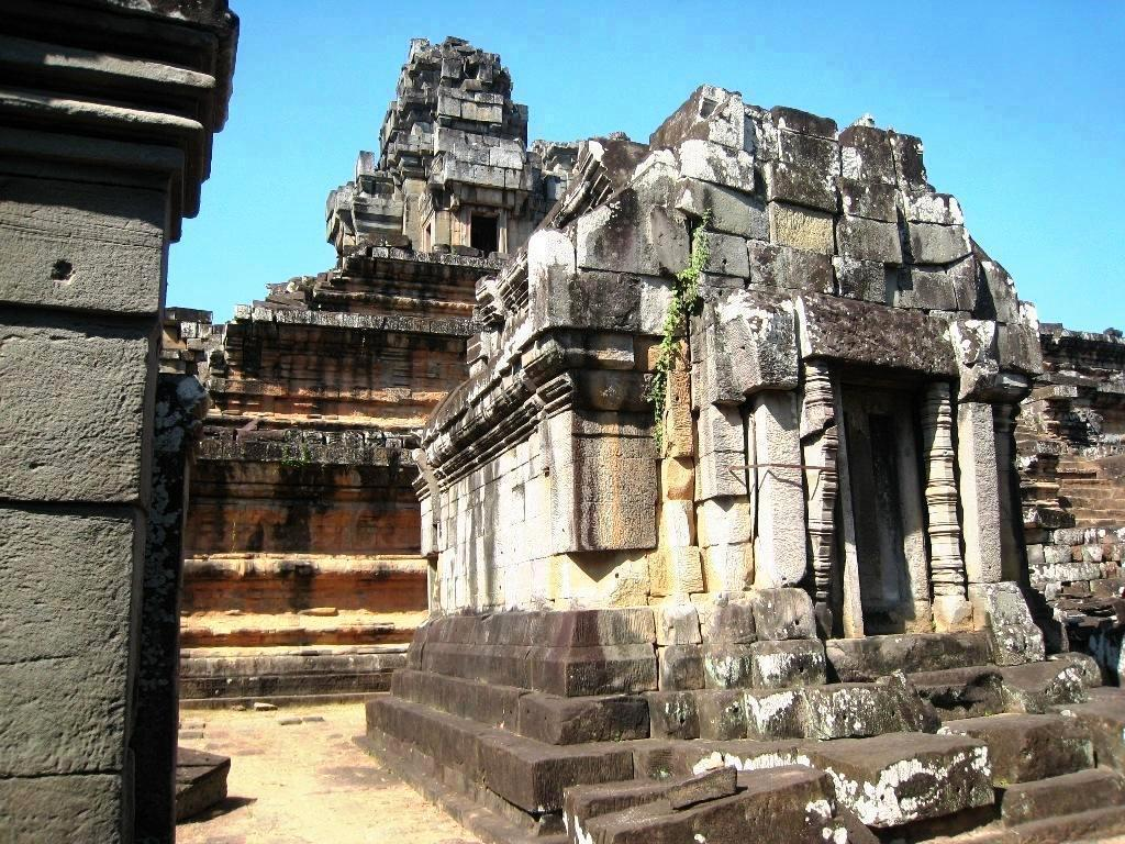 Angkor/Temple_TaKeo